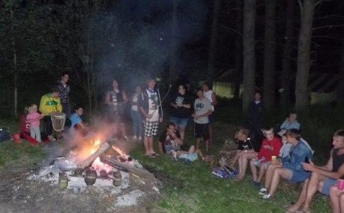 camping la chanterelle feu de camp